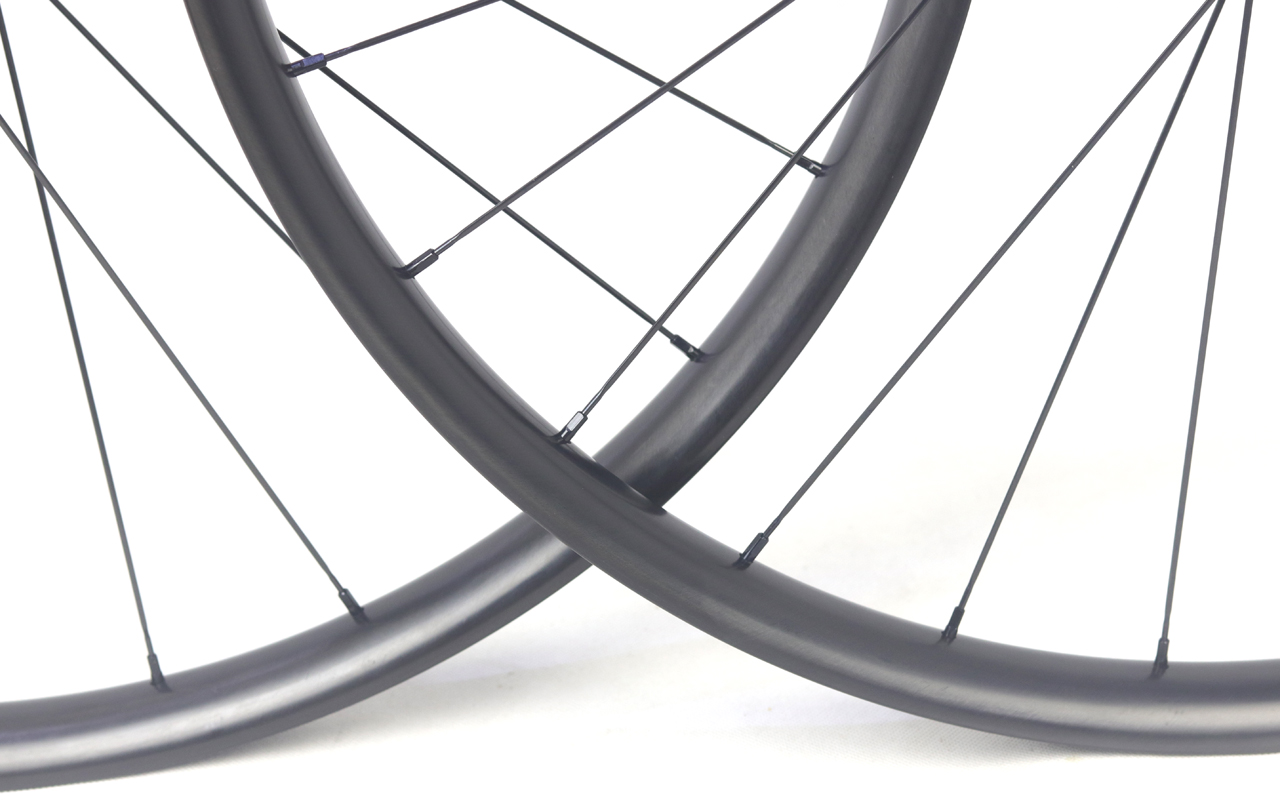 carbon bike wheels new paintless technology